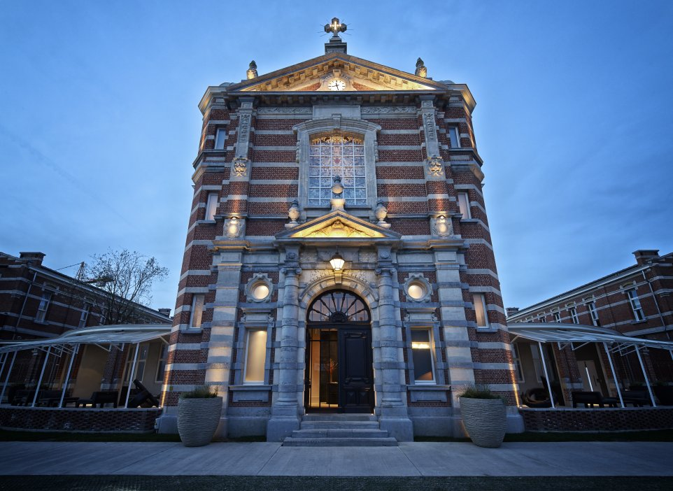 ... verlichting, la chapelle, groen kwartier, antwerpen, nick bril, pure c: pvdverlichting.be/projecten/jane-sergio-herman-nick-bril